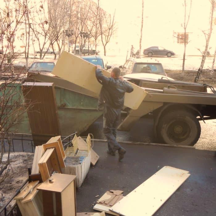 вывоз старой мебели